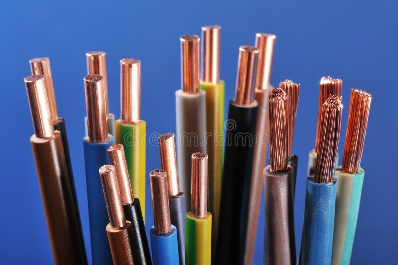 力量小条和电缆 免版税库存图片