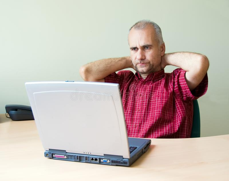 办公室体贴的工作者 免版税库存图片