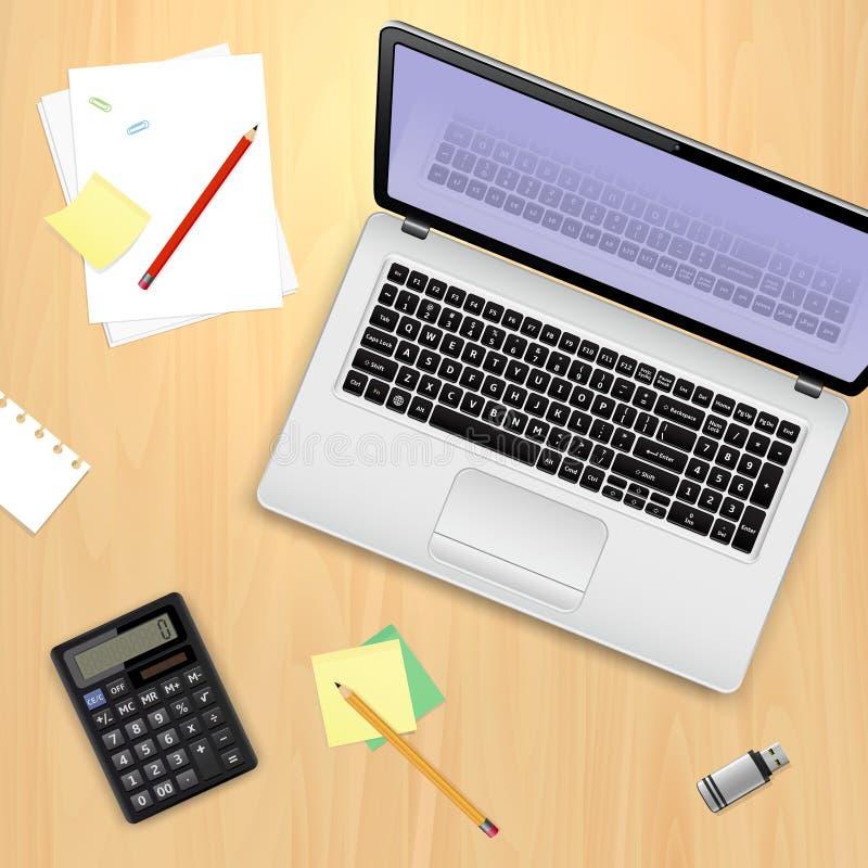 办公室工作场所概念 便携式计算机、计算器、铅笔、一刹那驱动、稠粘的笔记和纸板料在木背景 皇族释放例证