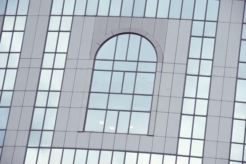 Download 办公楼墙壁 库存照片. 图片 包括有 旅馆, 繁忙, 欧洲, 现代, 门面, 横幅提供资金的, 背包, 形成弧光的 - 59106642