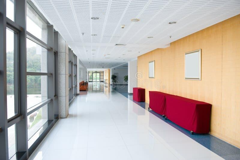 办公楼的走廊 库存图片