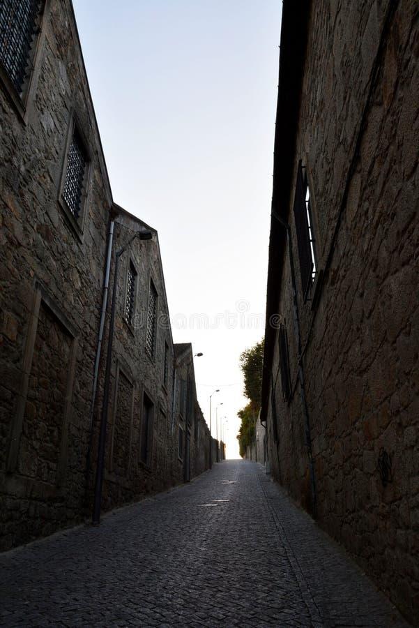 加亚新城,葡萄牙-在城市街道上的都市建筑学 库存照片