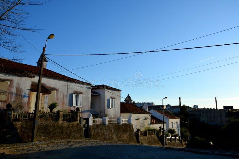 加亚新城,葡萄牙-在城市街道上的都市建筑学 免版税图库摄影