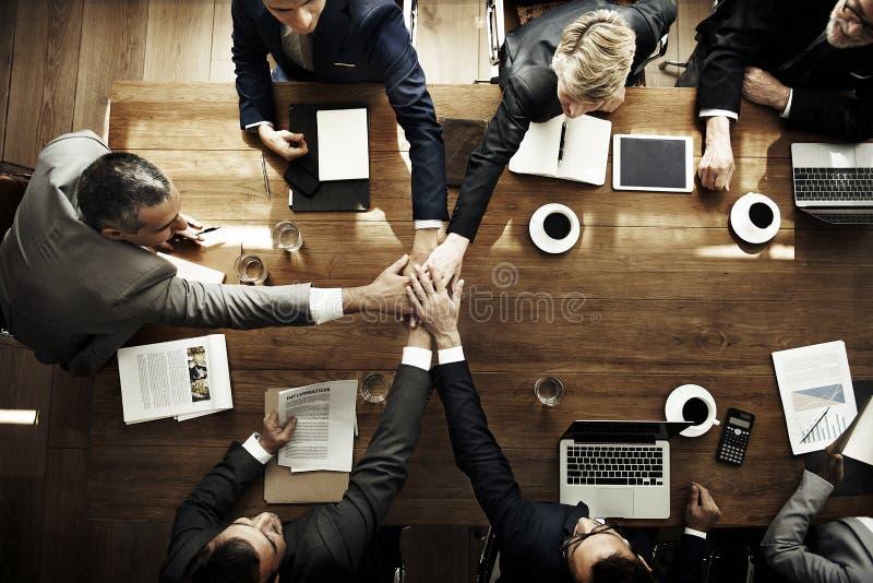 加入手遇见公司概念的合作协议 免版税图库摄影
