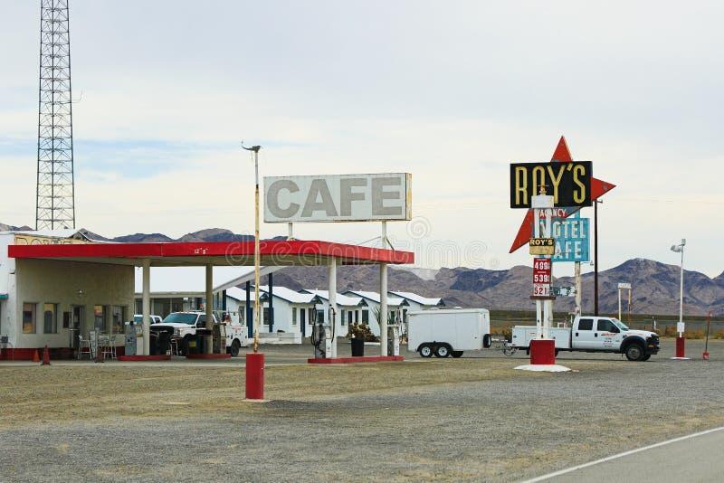 加利福尼亚、罗伊` s汽车旅馆和咖啡馆签字 库存照片