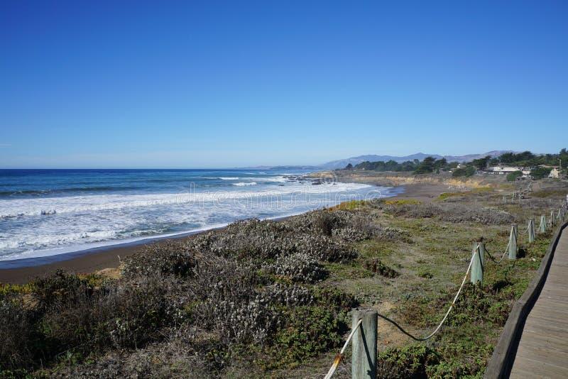 加利福尼亚海岸线一点在旧金山南部 免版税库存照片