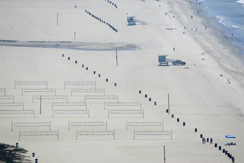 加利福尼亚海滩救生员塔排球场 库存照片