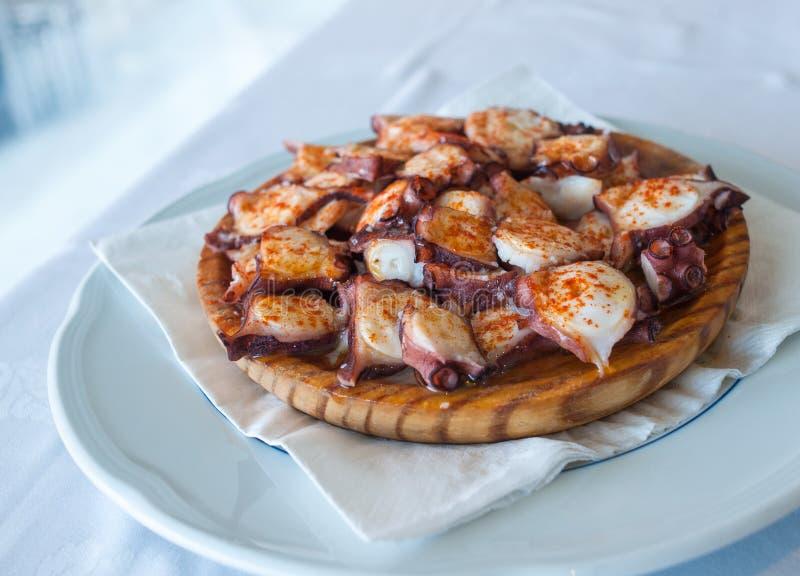 加利西亚样式章鱼, pulpo la gallega 库存照片