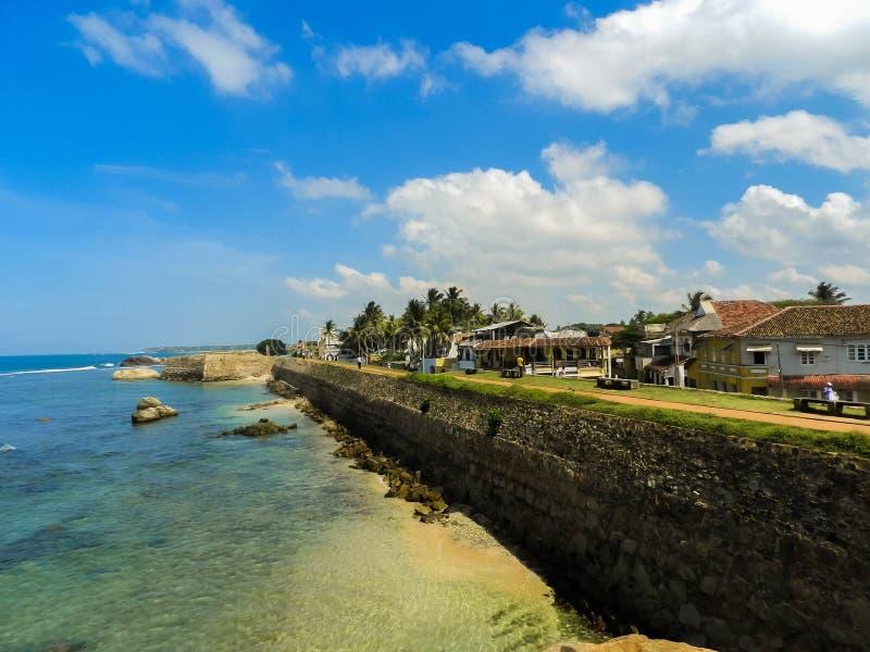 加勒堡垒墙壁与海洋的 免版税库存图片