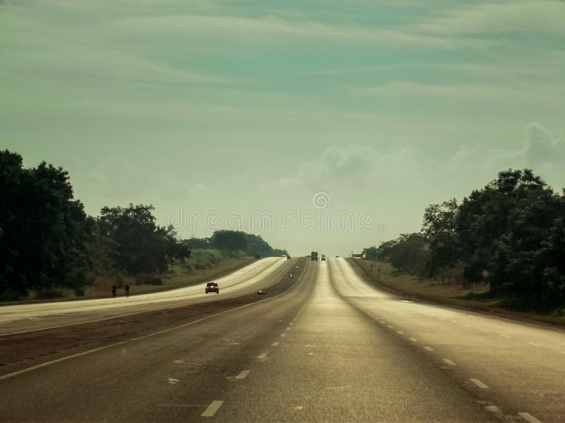 加勒比公路旅行 古巴东北部Cienfuegos以北主干道的南景 这条路是 免版税图库摄影
