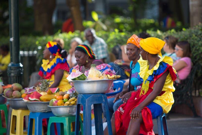 加勒比妇女打扮与颜色 库存图片