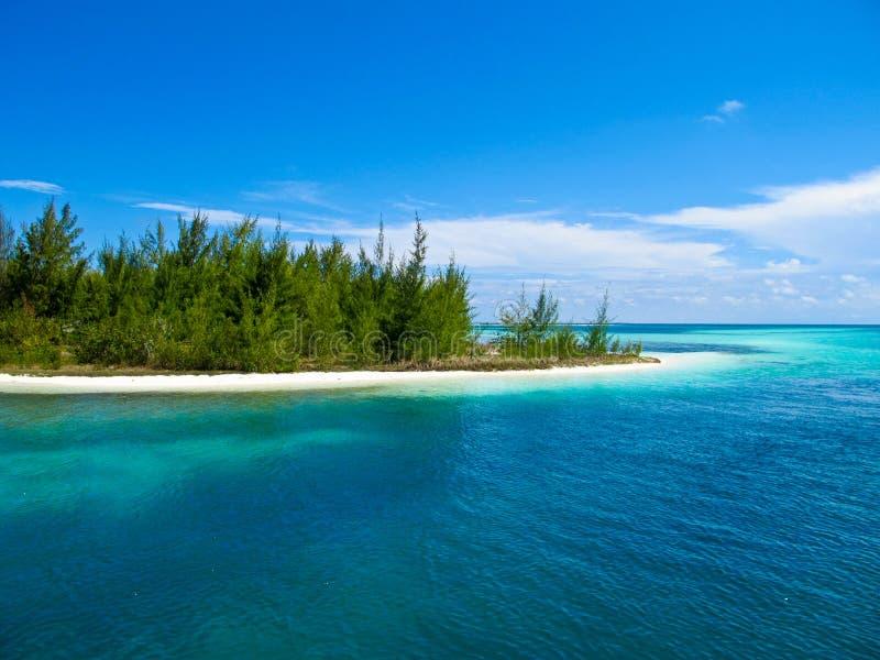 加勒比缓慢地cayo古巴paraiso playa海运 免版税库存图片