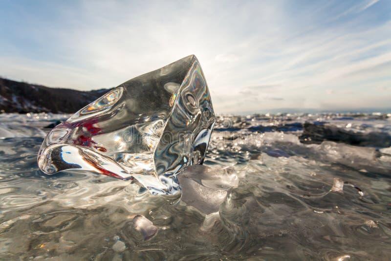 贝加尔湖的冰小丘 库存照片