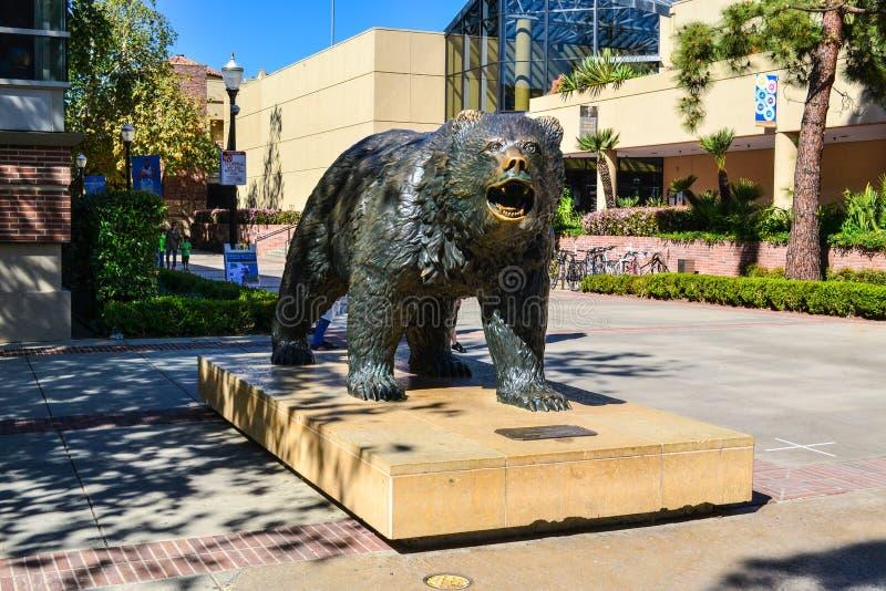 加州大学洛杉矶分校熊熊雕象 免版税库存照片