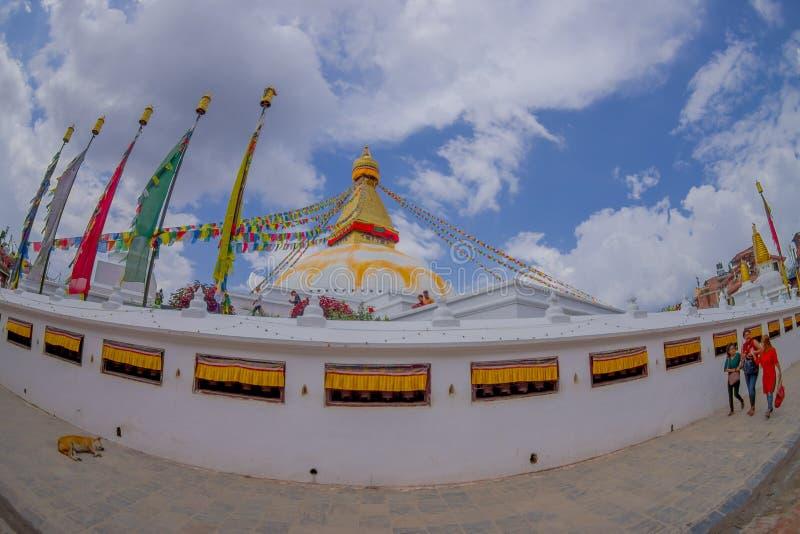 加德满都,尼泊尔2017年10月15日:Boudhanath Stupa大厦一张正面图在户外的,有在的一些大厦的 库存照片