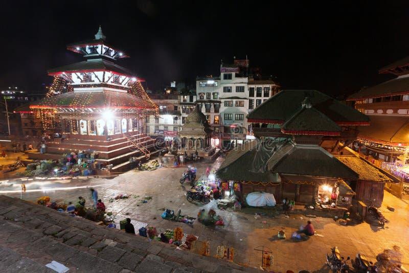 加德满都Durbar广场夜视图在节日期间的 免版税库存照片