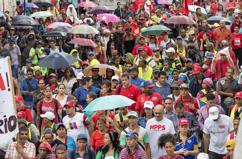 加拉加斯 支持政府新的经济措施的示威者行军 图库摄影