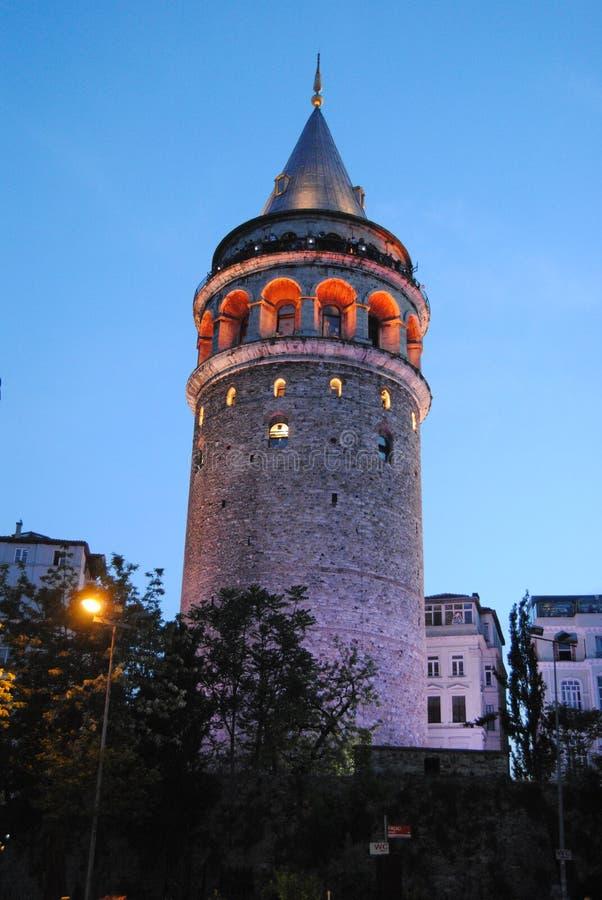 加拉塔塔夜伊斯坦布尔土耳其 免版税图库摄影