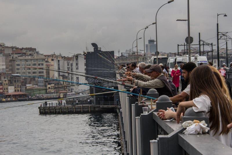 加拉塔桥梁渔夫 免版税库存照片