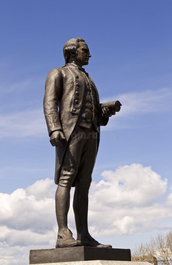加拿大上尉victoric厨师的雕象 免版税库存图片