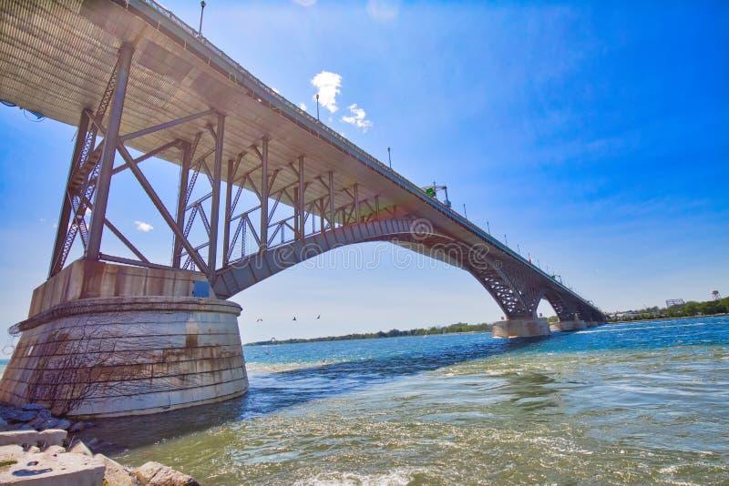 加拿大与美国之间的国际和平桥 免版税库存图片