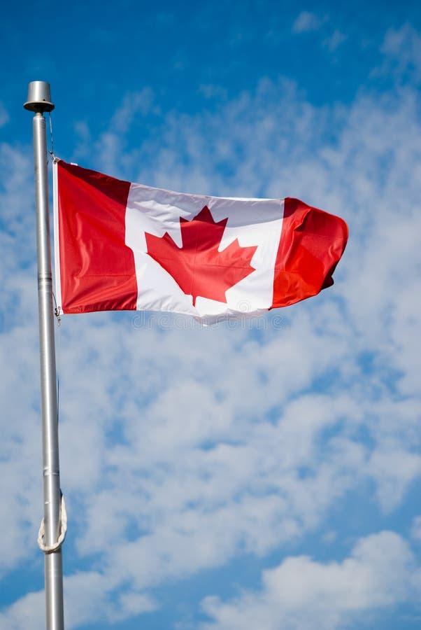 加拿大旗子在一阴天 图库摄影