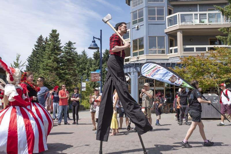 加拿大日庆祝在吹口哨村庄游行 库存照片