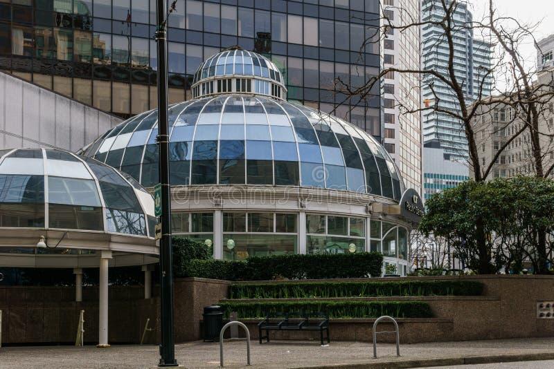 加拿大温哥华 — 2020年2月2日:中心入口购物中心 库存图片