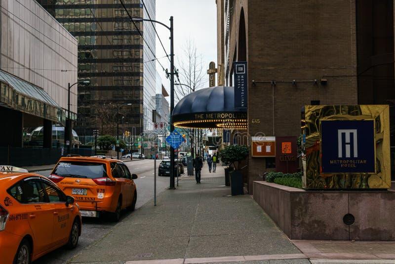加拿大温哥华 — 2020年2月2日:都市酒店附近的出租车 库存照片