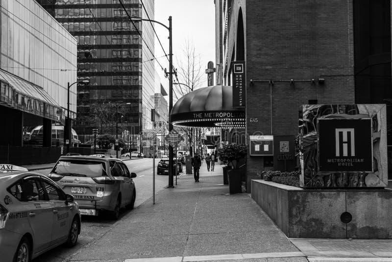 加拿大温哥华 — 2020年2月2日:都市酒店附近的出租车 库存图片