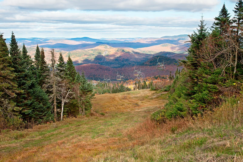 加拿大秋天mont季节顶部tremblant 库存图片