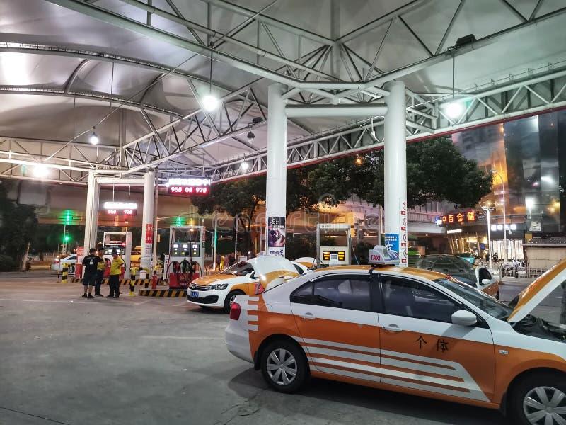 加油站夜景在武汉市 库存照片
