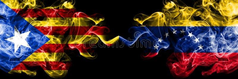 加泰罗尼亚对委内瑞拉,肩并肩被安置的委内瑞拉烟旗子 加泰罗尼亚和委内瑞拉的厚实的色的柔滑的烟旗子, 向量例证