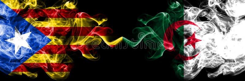 加泰罗尼亚对阿尔及利亚,肩并肩被安置的阿尔及利亚的烟旗子 加泰罗尼亚和阿尔及利亚,阿尔及利亚人的厚实的色的柔滑的烟旗子 向量例证