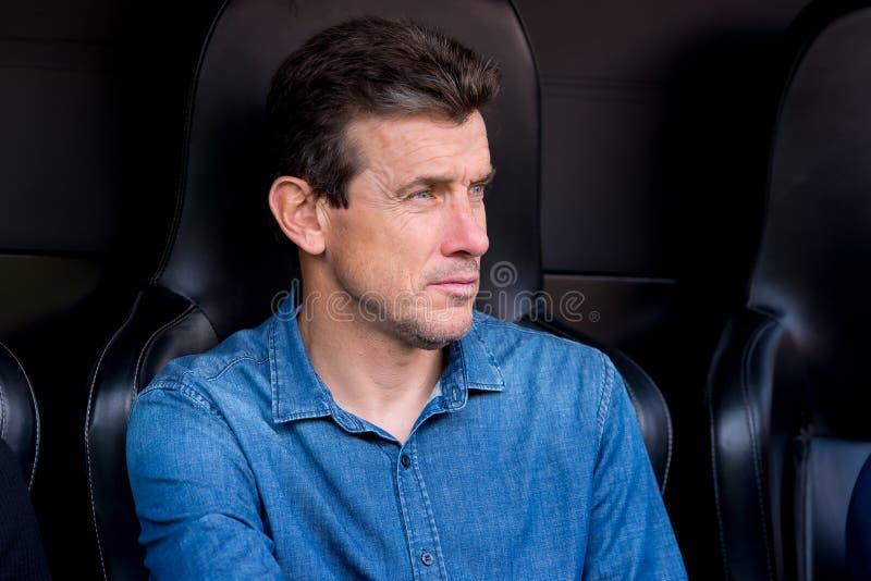 助理教练西班牙足球甲级联赛比赛的胡安・卡洛斯Unzue在巴伦西亚锎和巴塞罗那足球俱乐部之间在Mestalla 库存照片