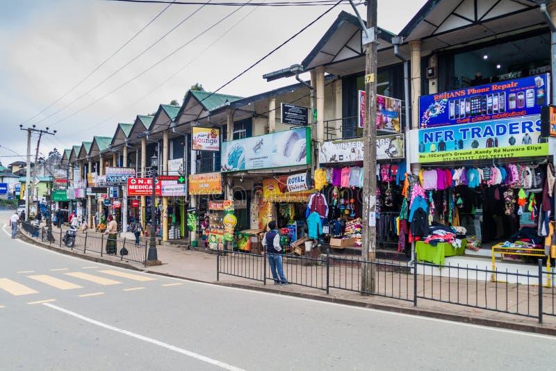 努沃勒埃利耶,斯里兰卡- 2016年7月16日:商店看法努沃勒埃利耶拖曳的 库存图片