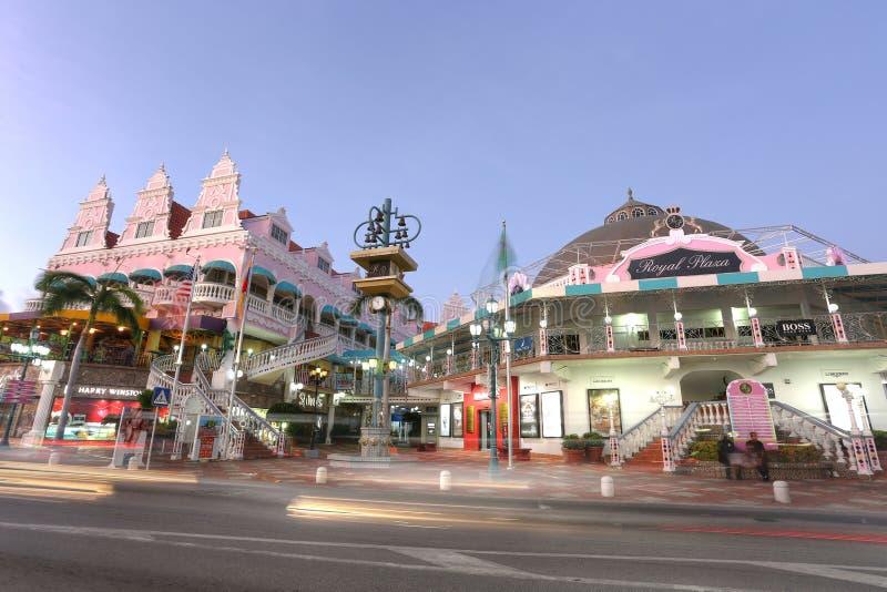劳埃德G 史密斯大道在Oranjestad,阿鲁巴 免版税库存照片