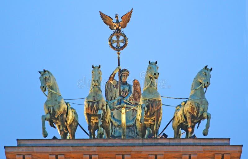 勃兰登堡门,柏林四马二轮战车,黄昏的,特写镜头 免版税图库摄影