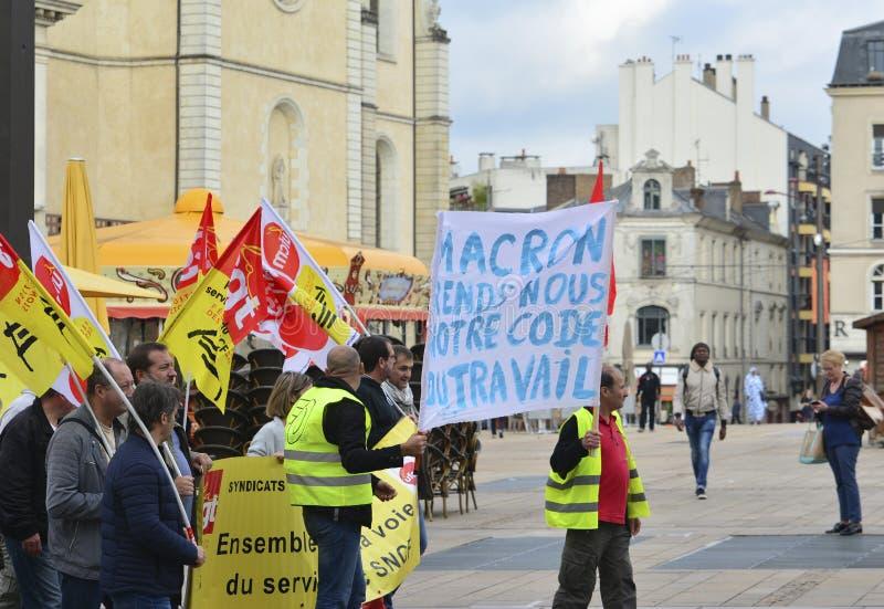 勒芒,法国- 2017年10月19日:人们展示在罢工期间反对新的法律 库存照片