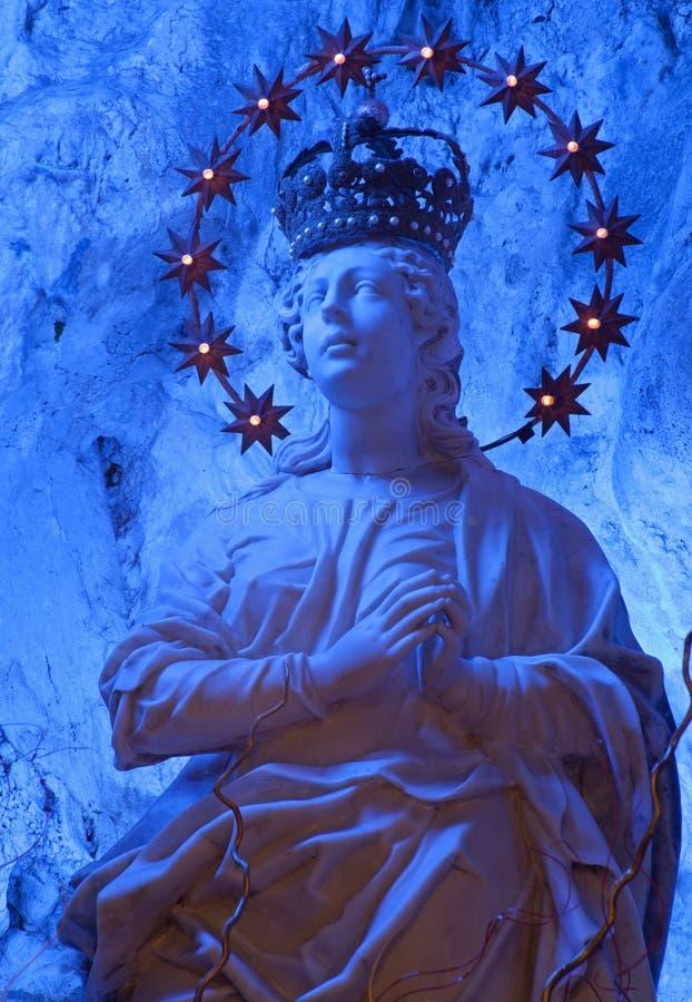 巴勒莫-百升雕象。Santuario圣塔罗萨莉娅洞的玛丽  免版税库存照片