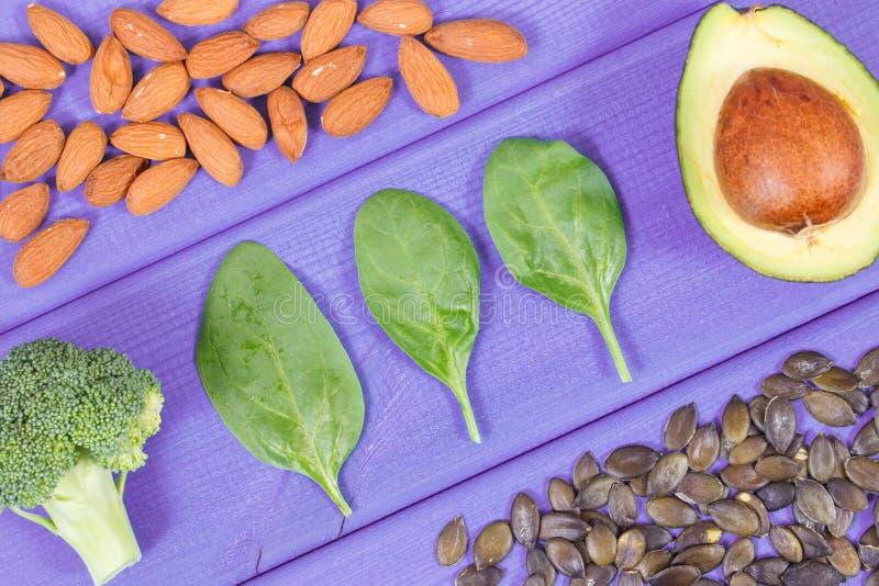 包含Ω的成份3酸、不饱和的油脂和纤维、健康营养和酸饮食概念 库存图片