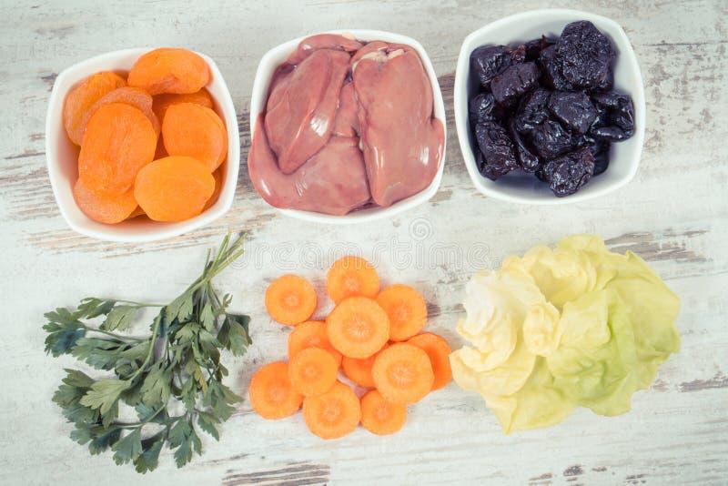 包含维生素A,健康营养的概念的滋补产品当来源矿物 免版税库存图片