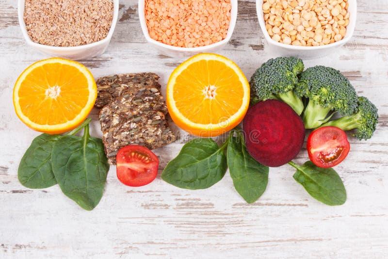 包含维生素B9和饮食纤维,健康营养概念的滋补产品 免版税库存照片