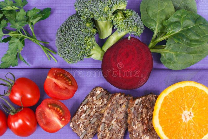 包含维生素B9和饮食纤维,健康营养概念的滋补产品 库存图片