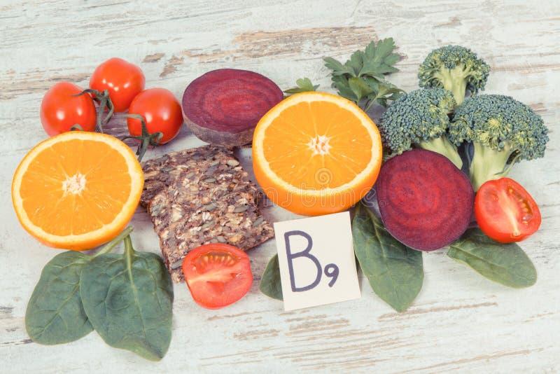 包含维生素B9和饮食纤维,健康营养的滋补产品 免版税库存图片