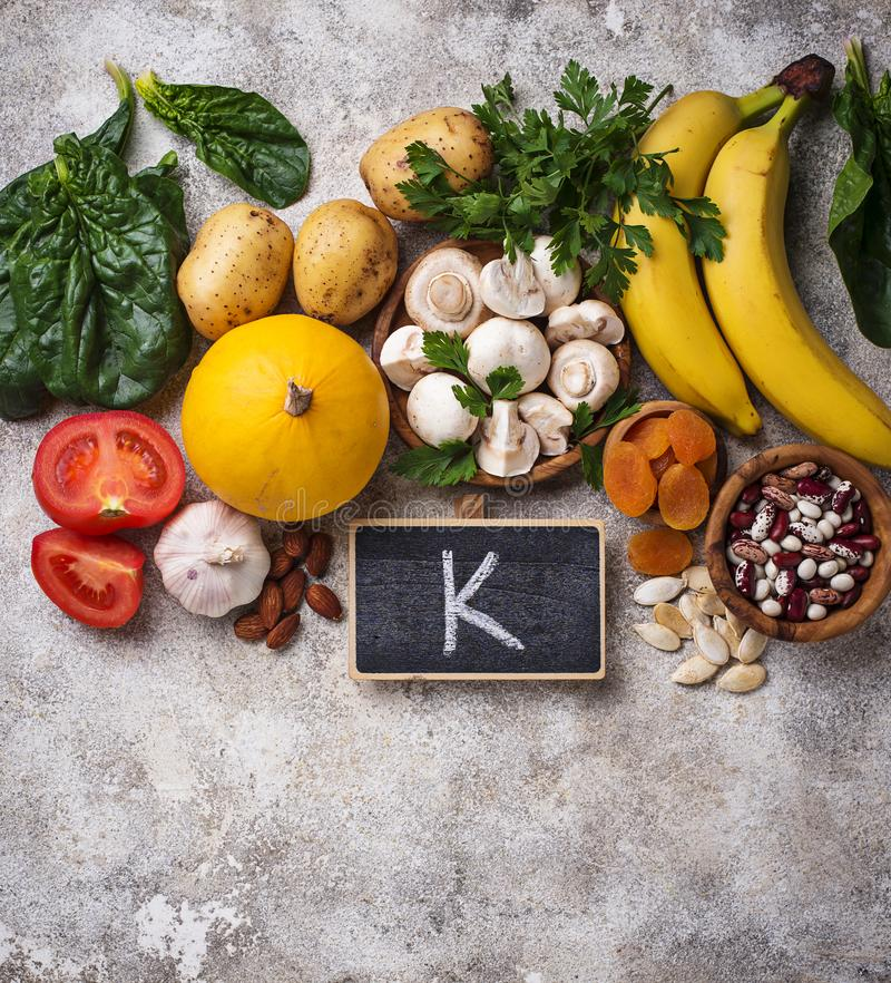 包含钾的产品 健康概念的食物 免版税库存照片