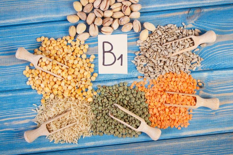 包含维生素B1和饮食纤维,健康营养的产品和成份 图库摄影