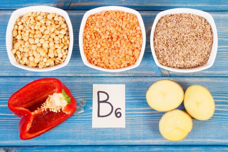 包含维生素B6和饮食纤维,健康营养的产品和成份 免版税库存图片