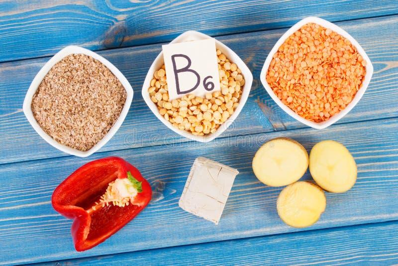 包含维生素B6和饮食纤维,健康营养的产品和成份 库存图片