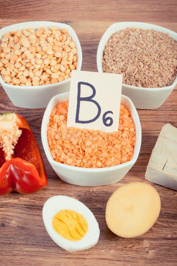 包含维生素B6和饮食纤维,健康营养的葡萄酒照片、产品和成份 库存照片